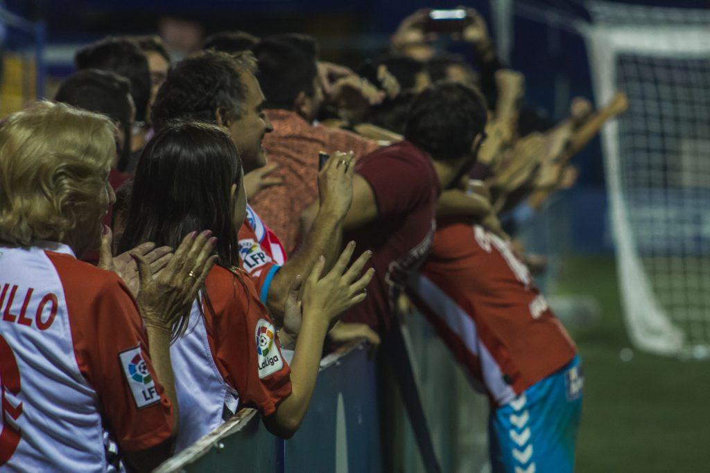 El CD Lugo no estuvo sólo el Alcorcón y los jugadores supieron   Foto: Xabi Piñeiro - LGV.