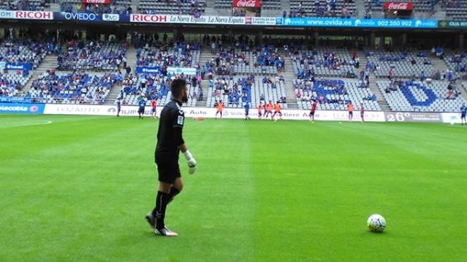 Javi Pita, no quecemento do partido contra o Real Oviedo da primeira xornada da tempada 2015/2016 | Foto: CD Lugo.