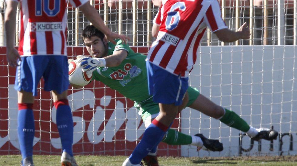 Javi Pita, fronte ó Atlético de Madrid B, un dos dous partidos que xogou como porteiro do Lugo.
