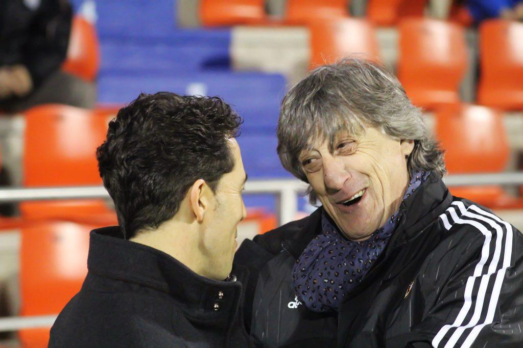 José Durán, entrenador del CD Lugo, y Enrique Martín Monreal, entrenador de Osasuna.