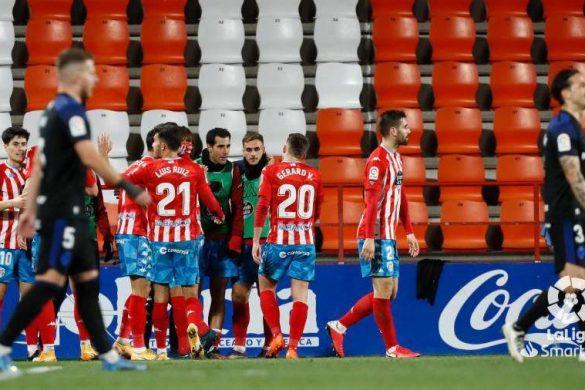 Celebración del gol de Hugo Rama ante la Ponferradina.