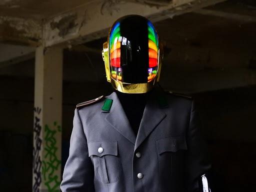 Daft Punk réplica Love Props