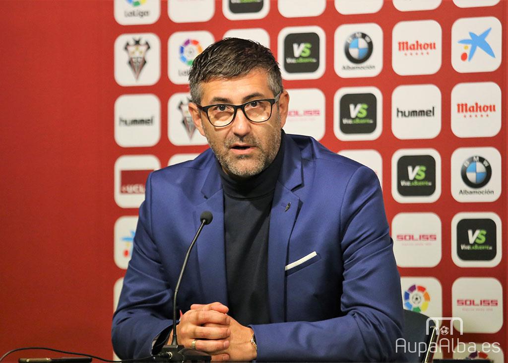 Mauro Pérez CD Lugo en una rueda de prensa en Albacete