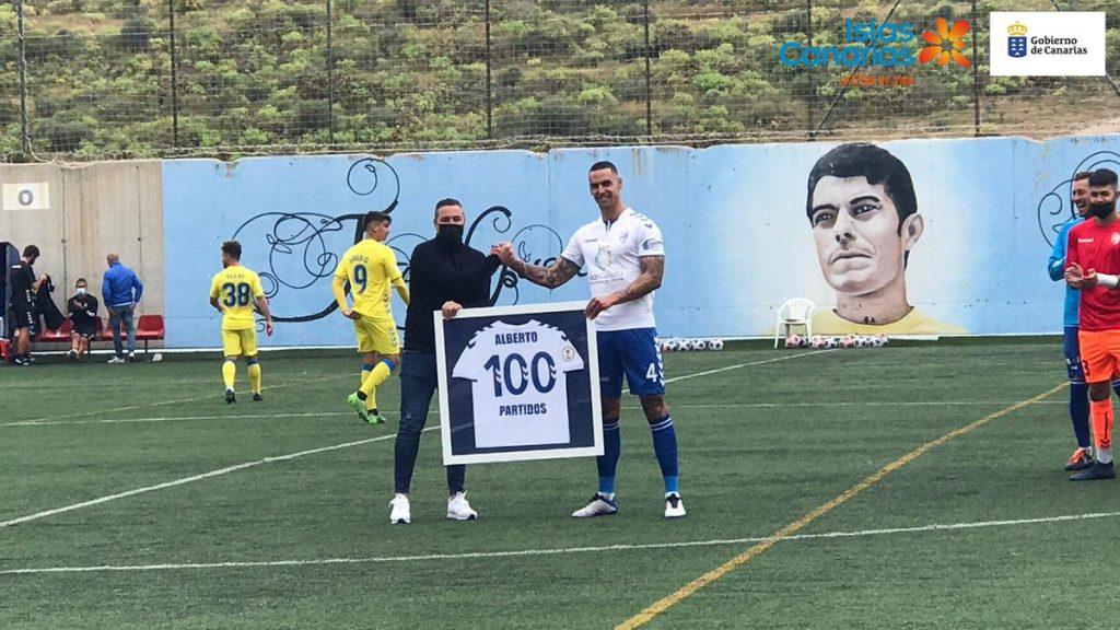 Alberto Rodríguez con la UD Tamaraceite.