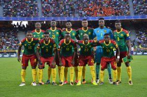 Serge Leuko con los Leones Indomables. Lugoslavia. Fútbol de África.